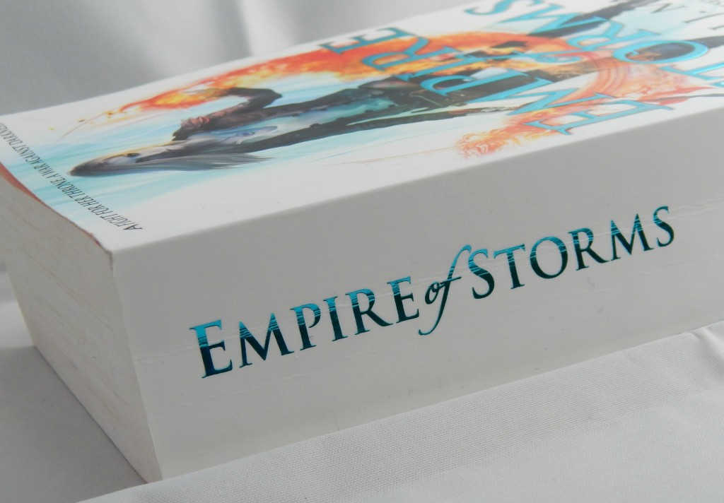 review-empire-of-storms-spine